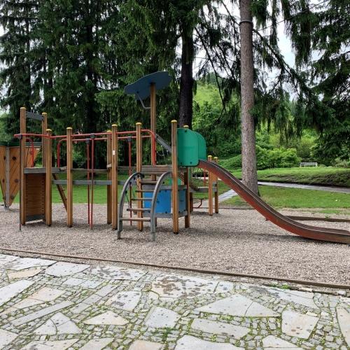 Bild 1: Mestni Park