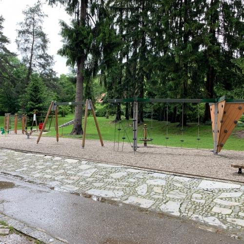 Bild 2: Mestni Park