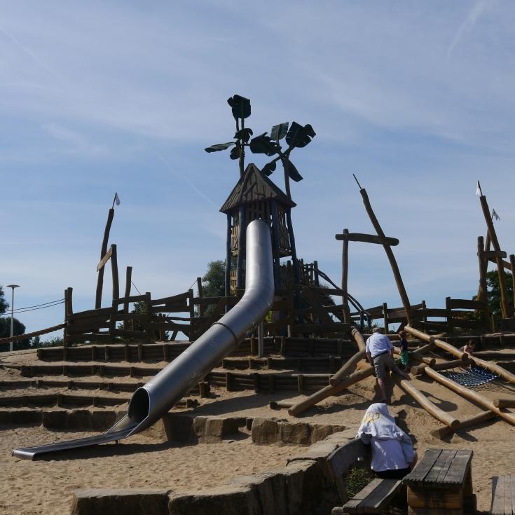 Bild 1: Piratenspielplatz am Salzgitter See