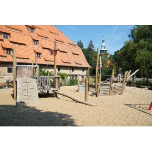 Bild 1: Piratenspielplatz im Schlosspark