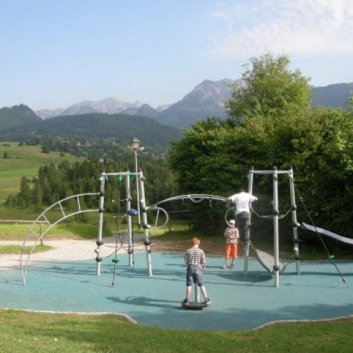 Bild 1: Planetenspielplatz