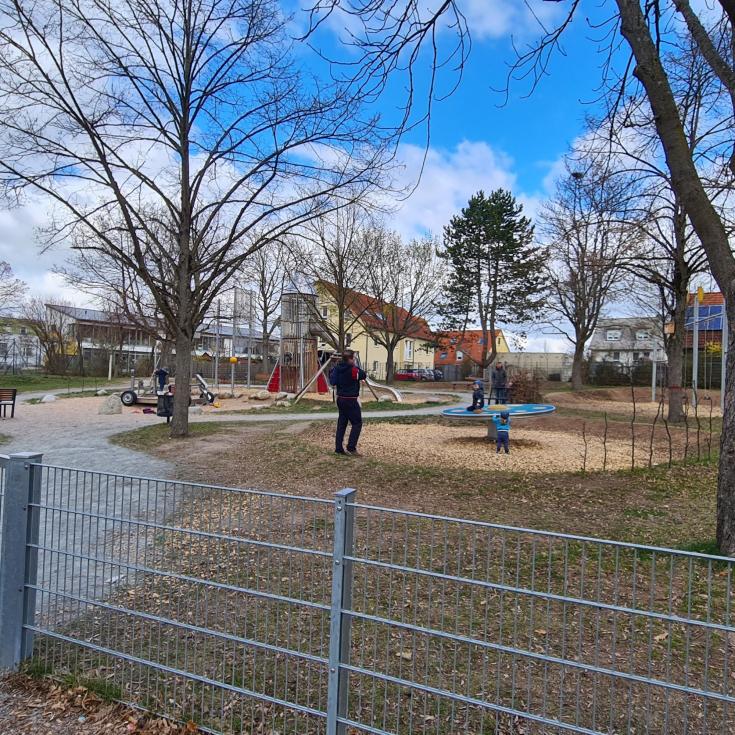 Bild 1: Raketenspielplatz