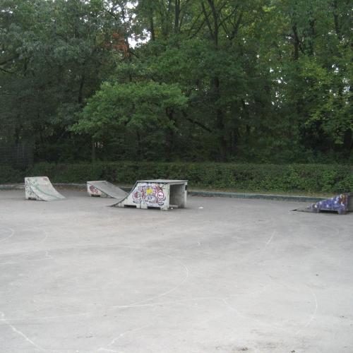 Bild 1: Rollschuhbahn am Freibad