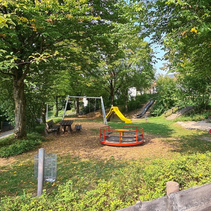 Bild 1: Rosenstraße Spielplatz