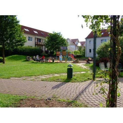 Bild 3: Sandspielplatz im Wohngebiet