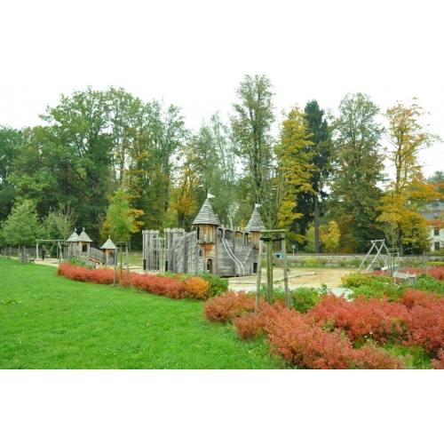 Bild 2: Schloss Spielplatz Friedersdorf