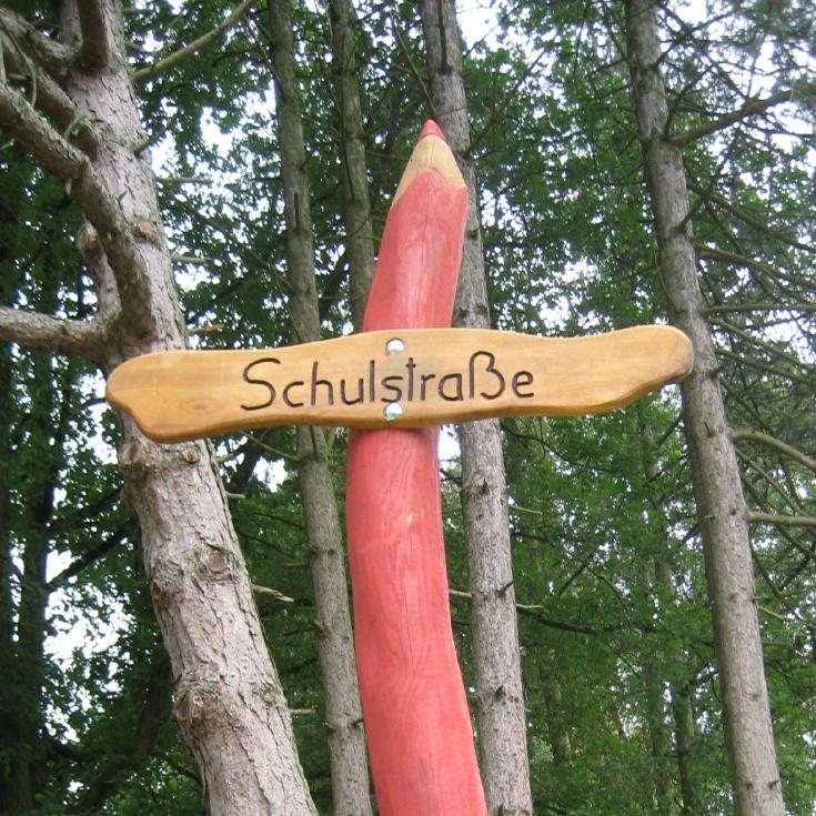 Bild 9: Schulstraße