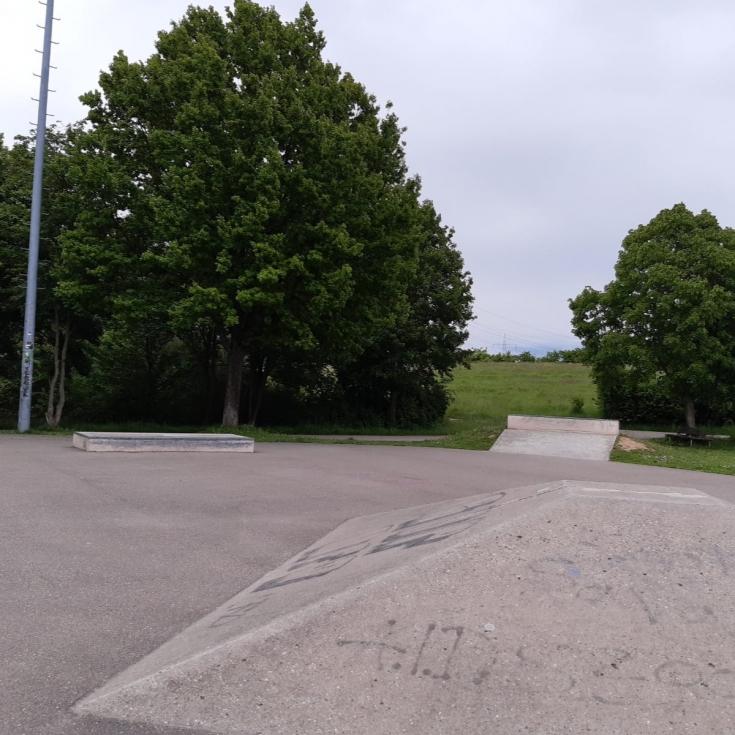Bild 1: Skateanlage