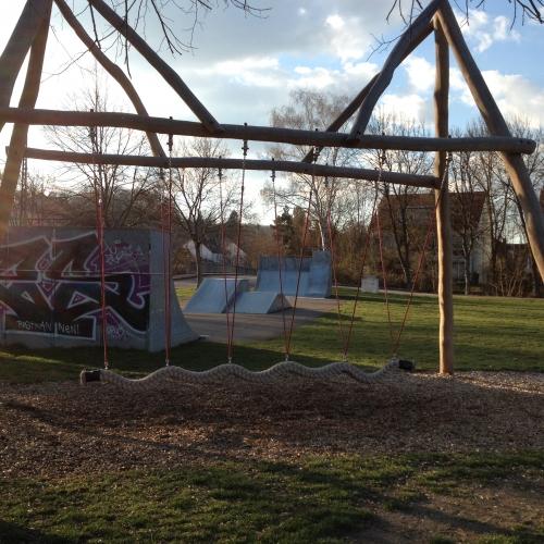Bild 3: Skateranlage und Spielplatz Wannweil