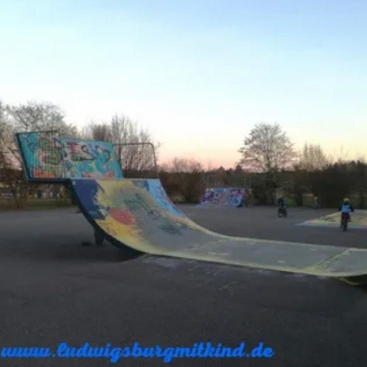 Bild 1: Skaterbahn