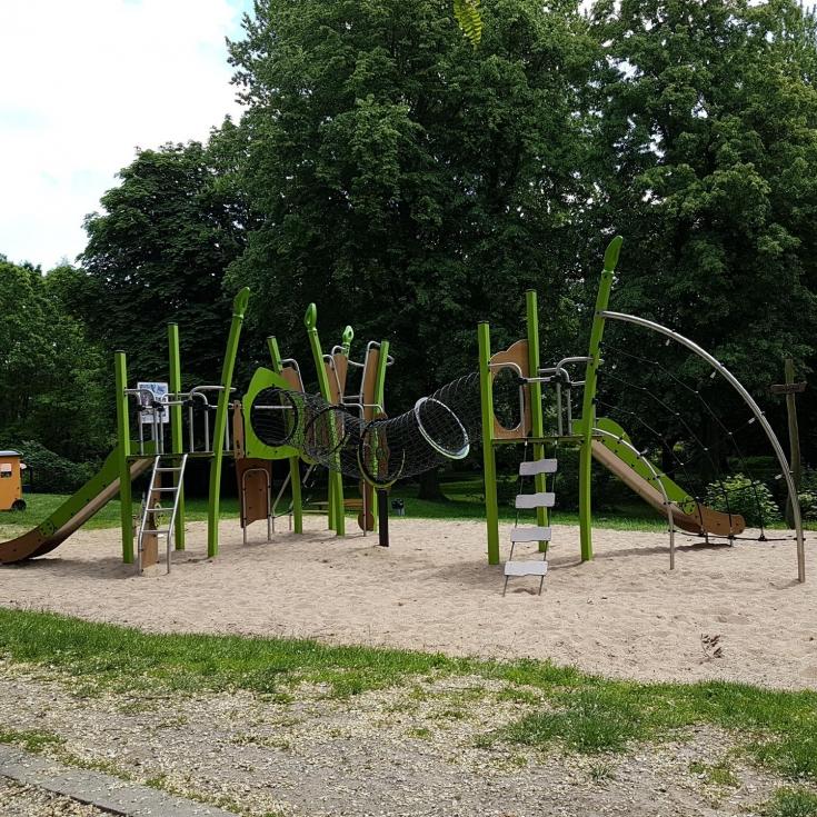 Bild 3: Spiel- und Bolzplatz Meisenpfad