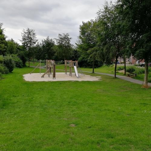 Bild 2: Spiel- und Bolzplatz Overbergstraß