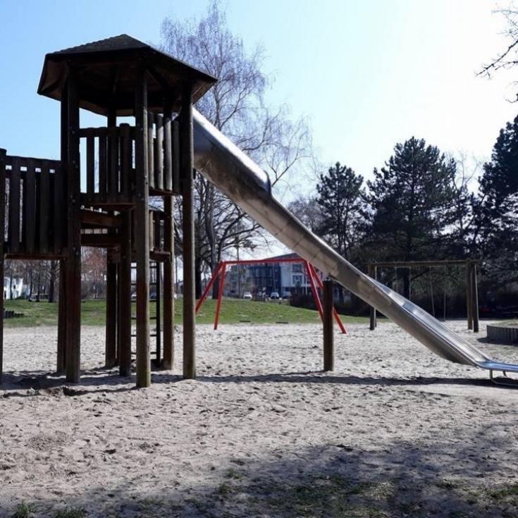 Bild 4: Spielplatz am Birkengarten