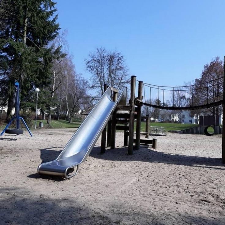 Bild 1: Spielplatz am Birkengarten