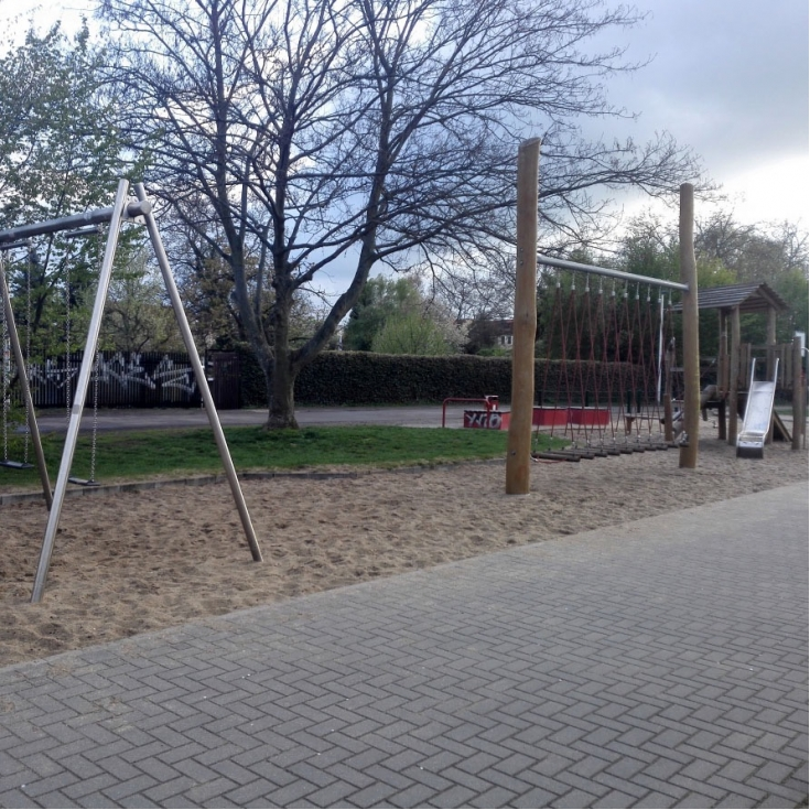 Bild 4: Spielplatz am Europaring