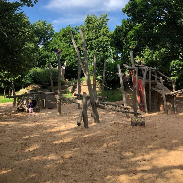 Bild 3: Spielplatz am Hainberg
