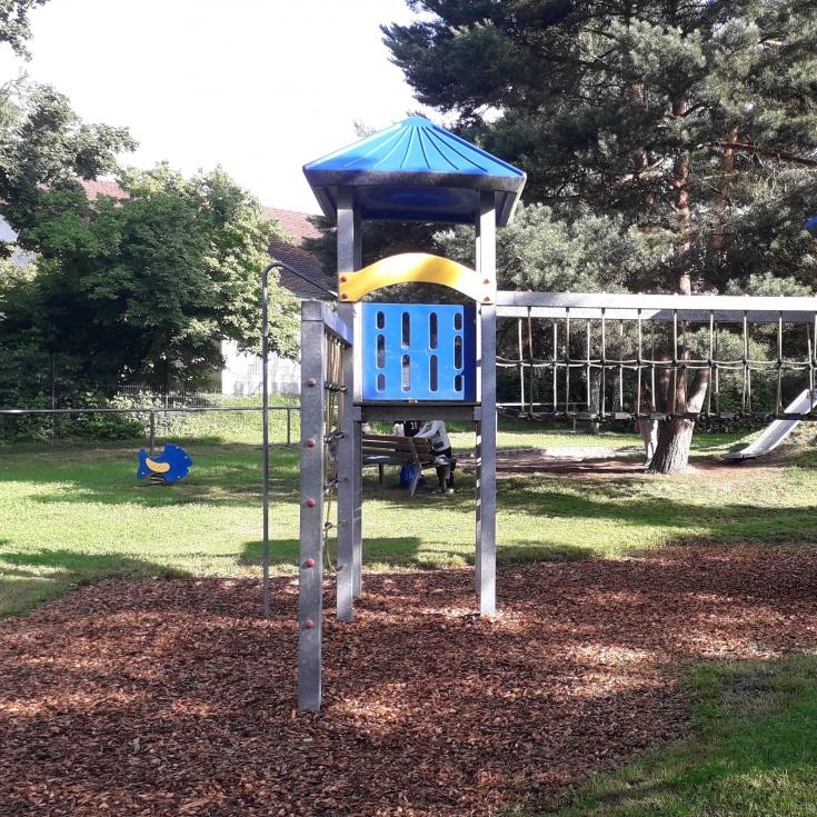 Bild 1: Spielplatz am Haßbergring