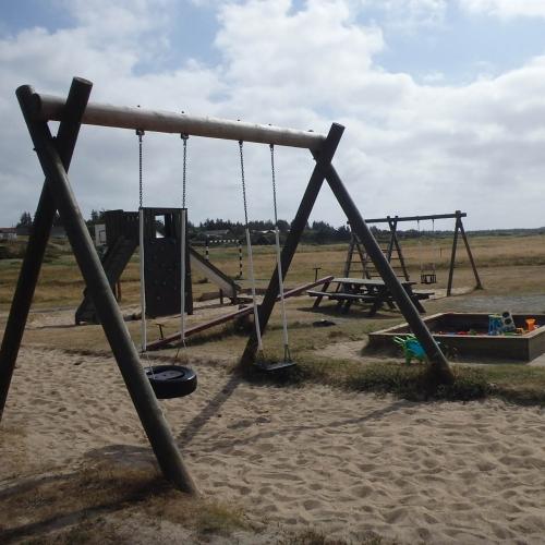 Bild 1: Spielplatz am Helm Klink Hafen