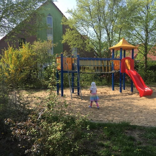 Bild 1: Spielplatz am Kreuzotterweg