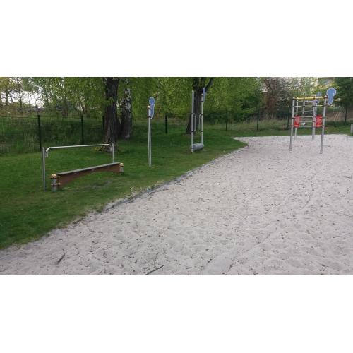 Bild 1: Spielplatz am Mehrgenaration Haus