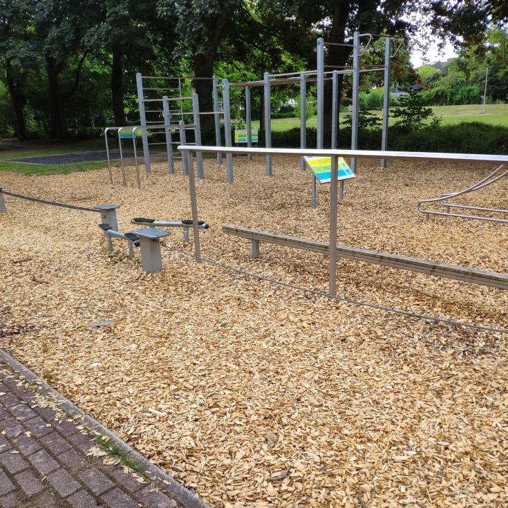 Bild 12: Spielplatz am Pappelsee