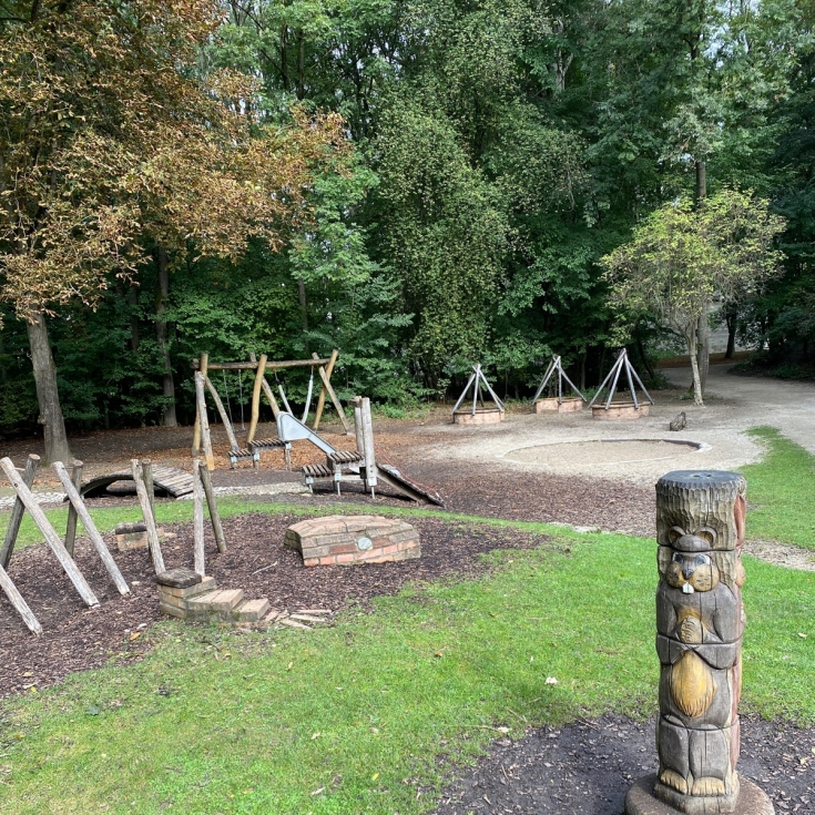 Bild 3: Spielplatz Am Regenbogen im Klenzepark