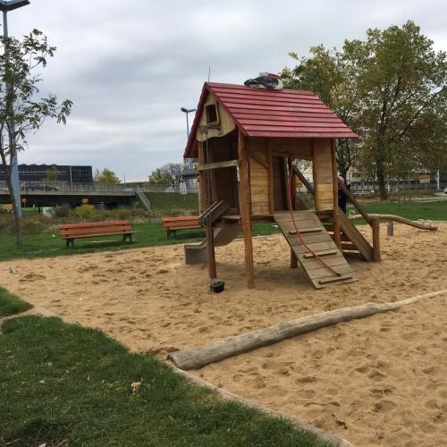 Bild 2: Spielplatz am Riebeckplatz