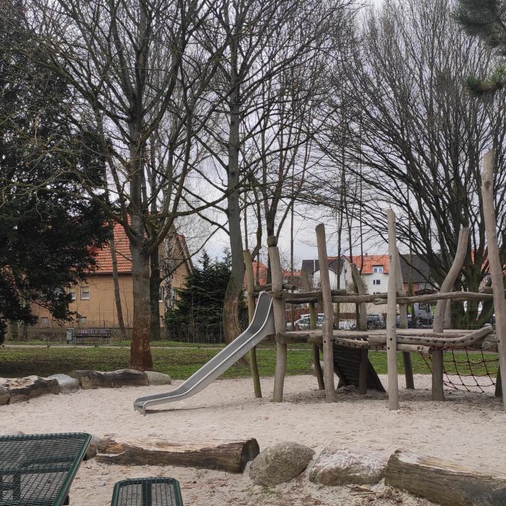 Bild 1: Spielplatz am Schlüterstieg