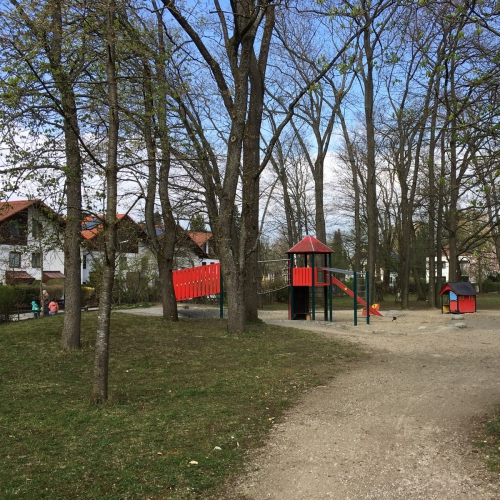 Bild 1: Spielplatz am Schuchwäldchen