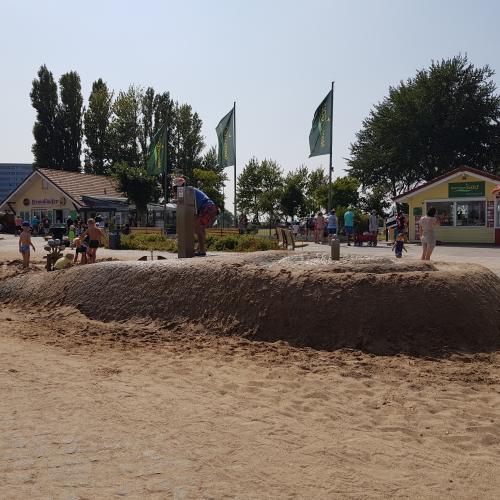 Bild 2: Spielplatz am Strandläufer