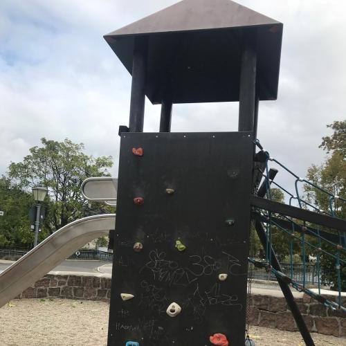 Bild 1: Spielplatz am Tennisplatz/Rosental