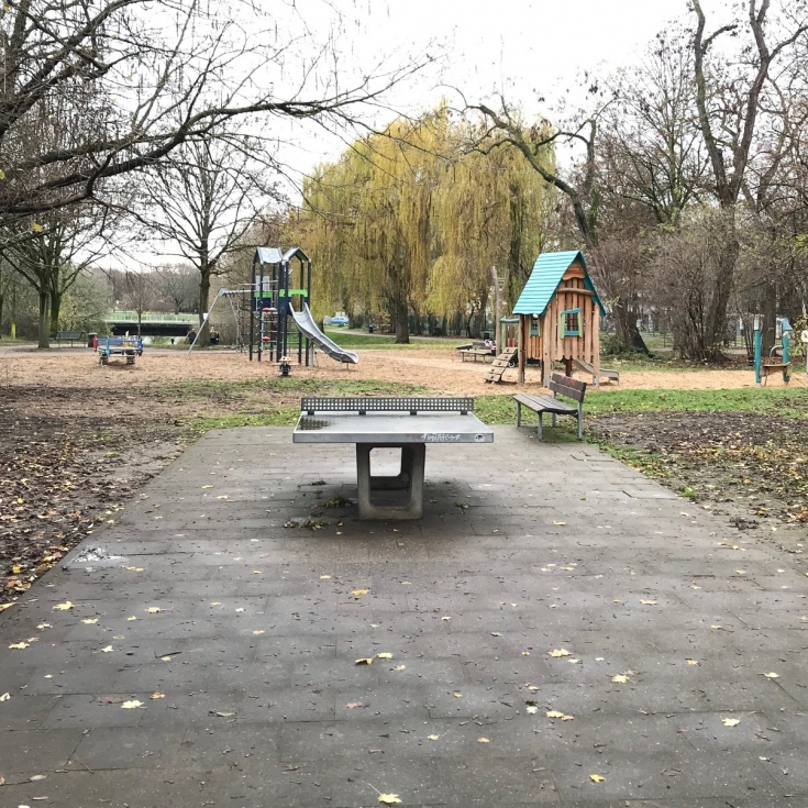 Bild 10: Spielplatz am Verkehrsgarten