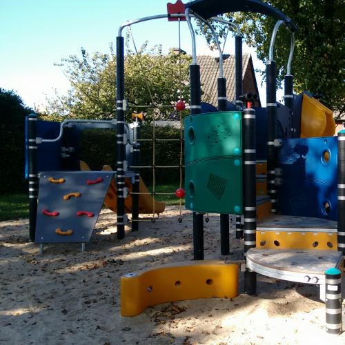 Bild 1: Spielplatz