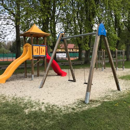 Bild 2: Spielplatz an der Donau