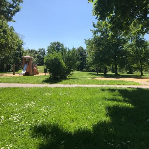 Bild 3: Spielplatz an der Gera (Ost)