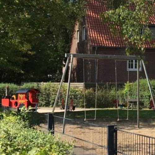 Bild 1: Spielplatz an der Konradkirche