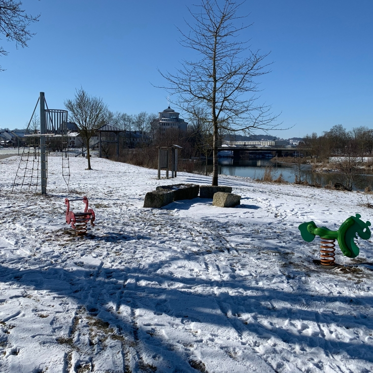 Bild 1: Spielplatz an der Rott