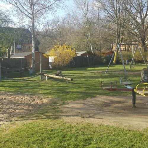 Bild 2: Spielplatz Arnold-Leenen-Straße