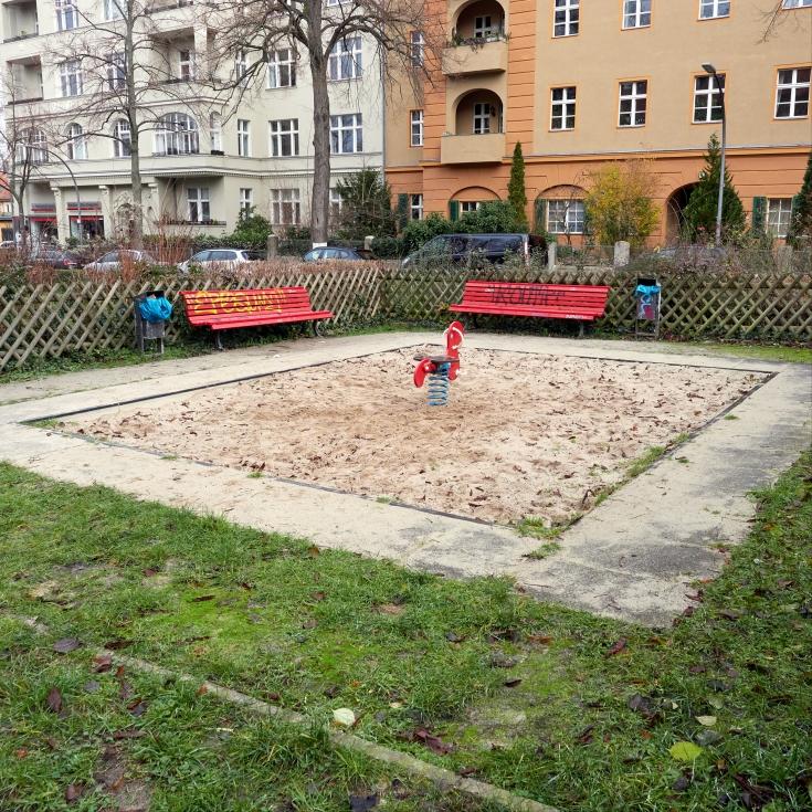 Bild 2: Spielplatz Asternplatz