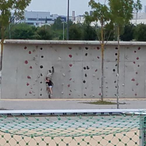 Bild 3: Spielplatz auf dem Flugfeld