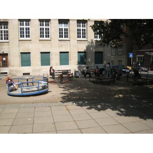 Bild 1: Spielplatz beim Arbeitsgericht