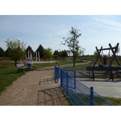 Bild 3: Spielplatz - Bertolt-Brecht-Allee