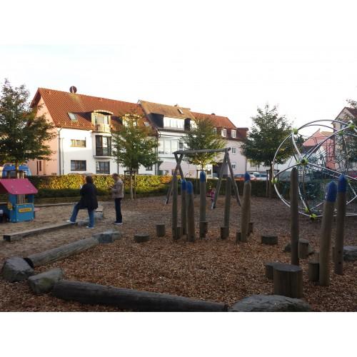 Bild 1: Spielplatz Bieber