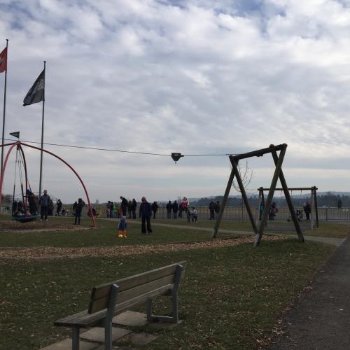 Bild 3: Spielplatz Birrfeld