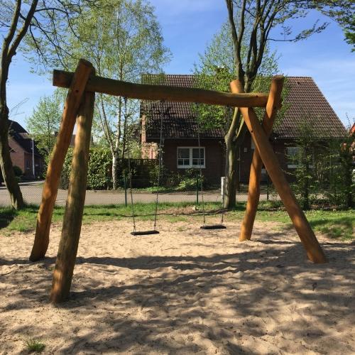 Bild 2: Spielplatz Buchenstraße