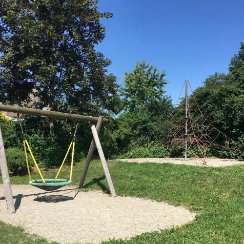 Bild 2: Spielplatz Bürenhalle