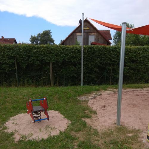 Bild 2: Spielplatz Dörfles