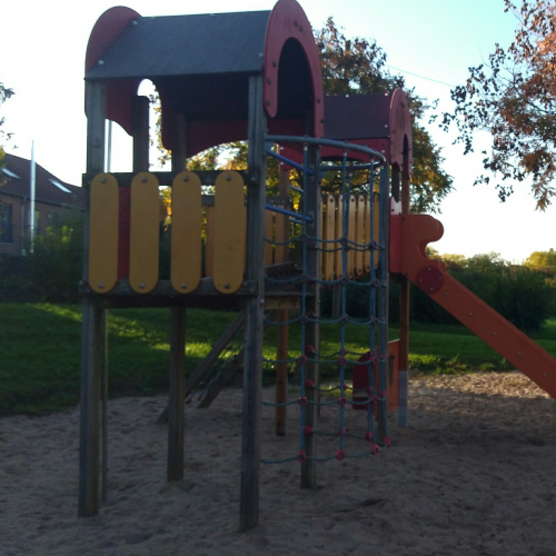 Bild 1: Spielplatz Falkenweg