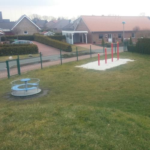 Bild 3: Spielplatz Röntgenstraße