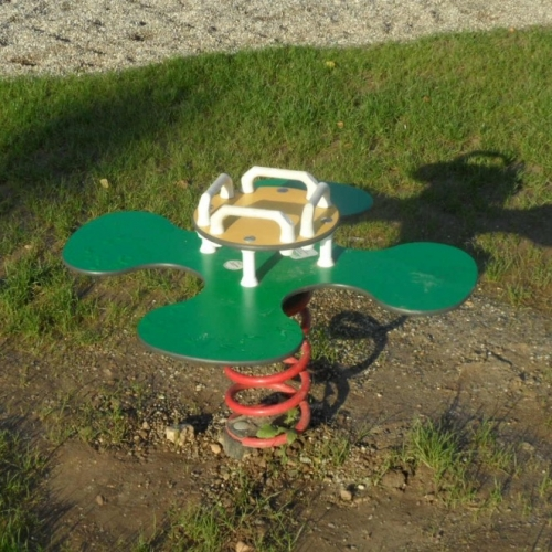 Bild 5: Spielplatz Gemeinschaftshaus 4-3